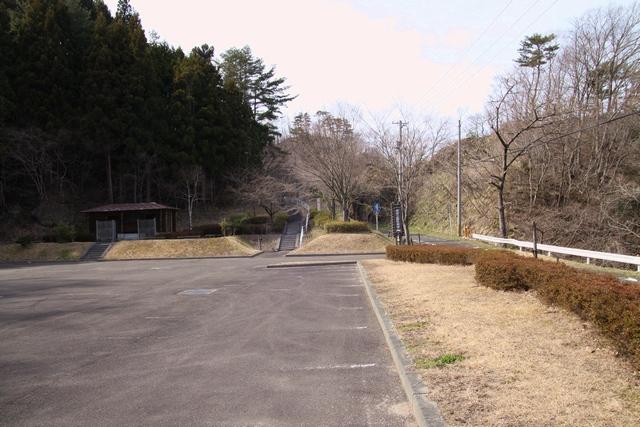 虎岩公園・宮城県白石市・画像02駐車場