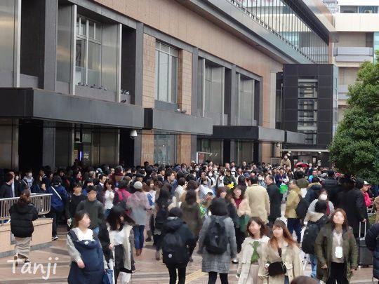 02 80 新元号・令和、号外、仙台駅前、画像、宮城県仙台市.jpg